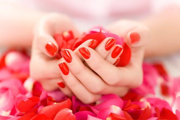 jak perfekcyjnie wykonać manicure w domu