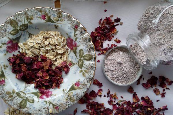 maseczka z płatków różano-owsianych